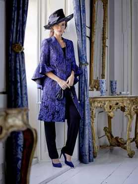 An absolute eye catching 3 piece trouser suit with elasticated waist trousers, sheer satin cami and signature style dramatic jacket with stunning bell sleeve design. Be bold, stand out and wear this gorgeous piece with style - Royal blue/black - 44921 (004324)