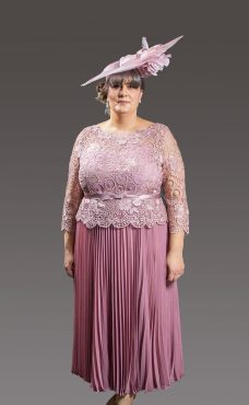 Lace bodice with full length pleated skirt, full sheer sleeve and boat neckline. Available in blush, silver/gold and royal blue - 4006 (004117)